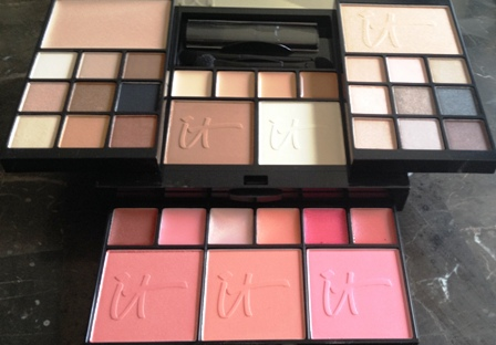 IT Cosmetics Naturally Pretty Essentials Palette