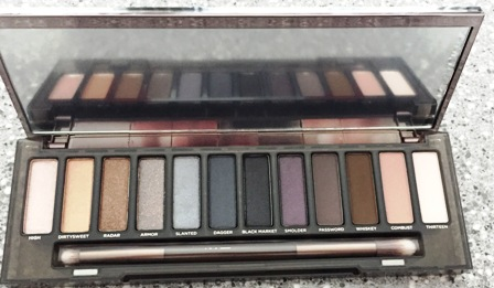 Urban Decay Naked Smoky Open
