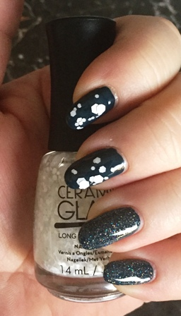 Ceramic Glaze Snow Queen - Diamond Dust Swatch