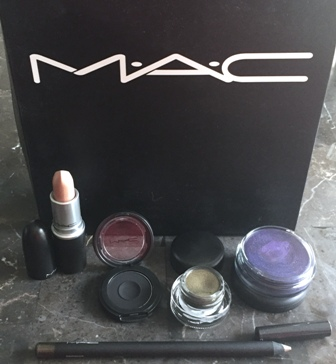 MAC Dark Desires Open