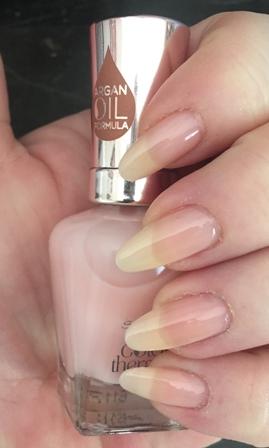 Sally Hansen Color Therapy Rosy Quartz Swatch