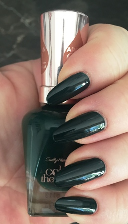 Sally Hansen Color Therapy Cool Cucumber Swatch