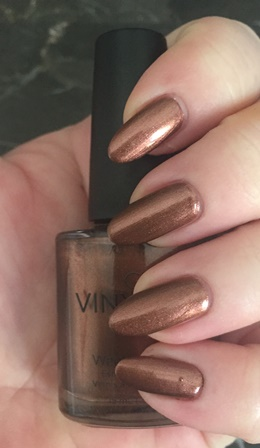 cnd-vinylux-leather-satchel-swatch